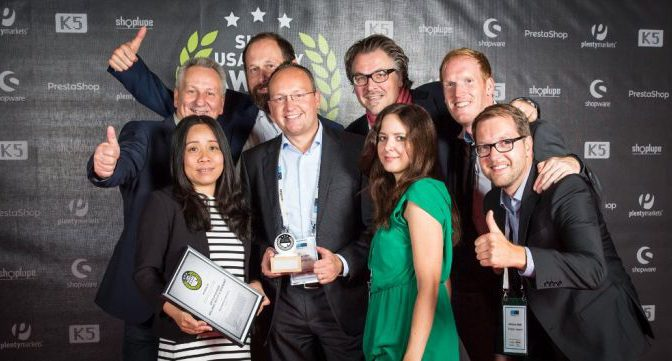 That's what winners look like: Lensbest.de wins Shop Usability Award 2015 in the category wellness, beauty, and health