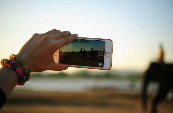 Why should B2B marketers adopt video? [5 Reading Tips]