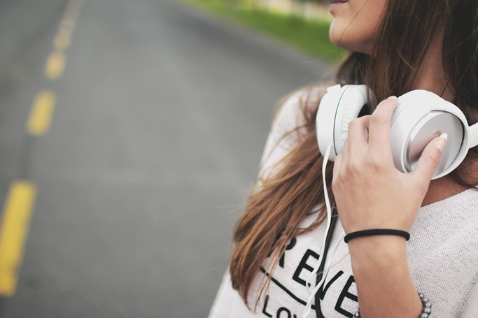 Tune your ears – Audio content marketing is coming! [5 Reading Tips]
