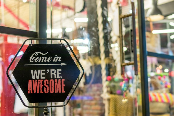Stationary retail finally keeps up with e-commerce [5 reading tips]